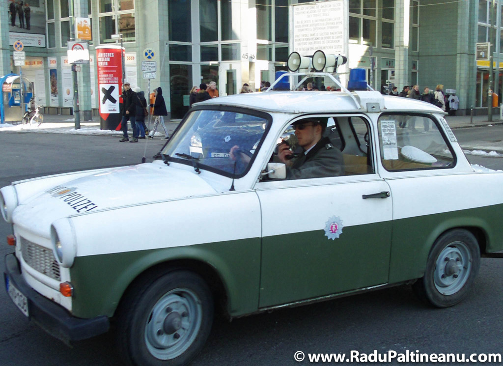Poliția est-germană, versiunea pentru turiști.