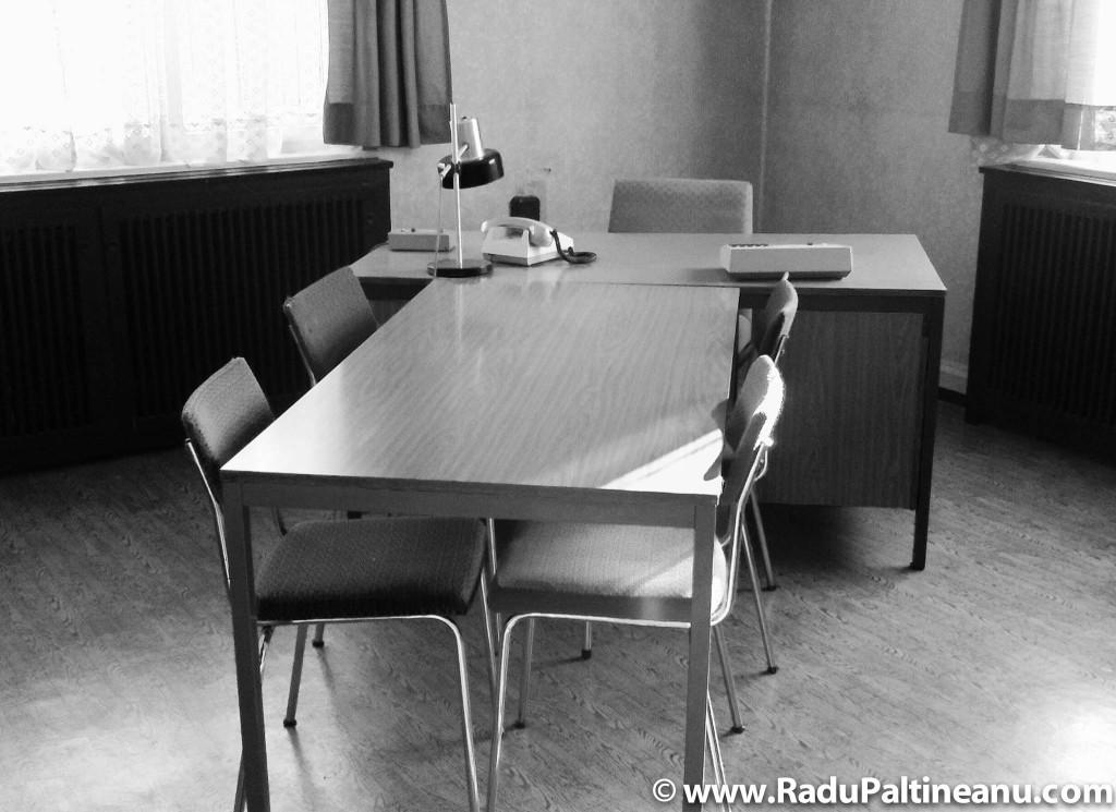 Cameră de interogare la închisoarea de la Hohenschönhausen.