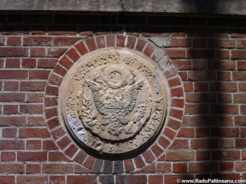 emblema ambasada