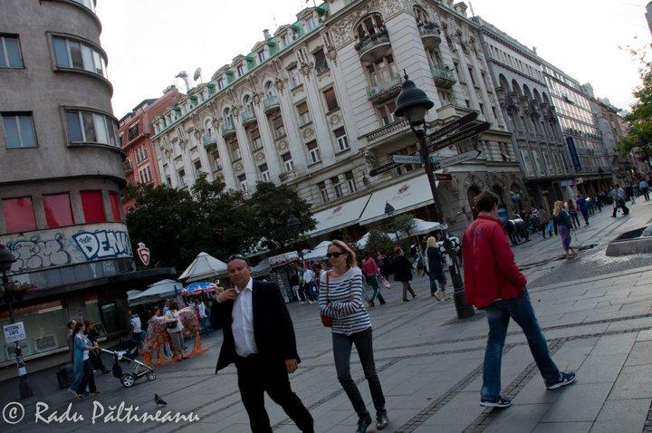 Knez Mihajlova, principala arteră comercială a Belgradului.