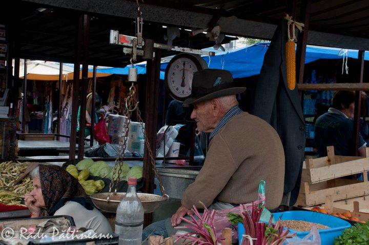 Piața din cartierul lui Nenad.