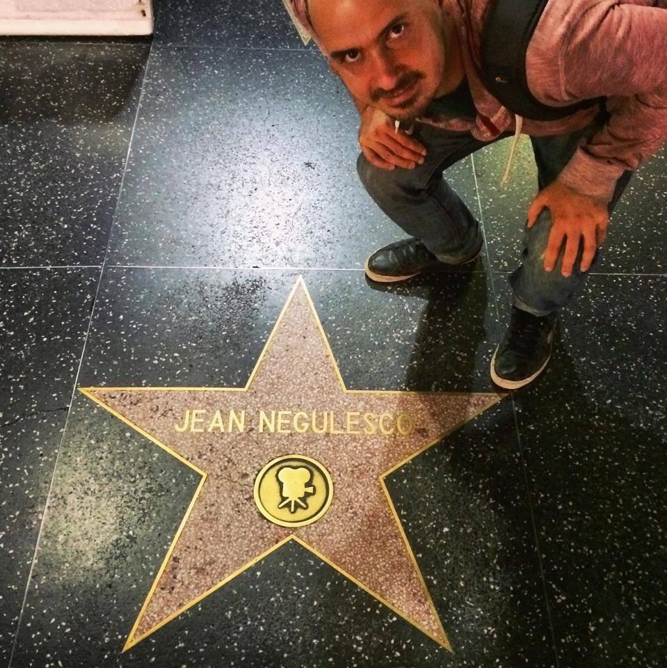 Ştefan, la Hollywood, cu steaua cineastului român Ioan Negulescu.